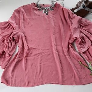 NWT VIOLET & CLAIRE SIZE XL RUFFLED SLEEVE